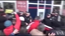 BANJA LUKA: Trenutak hapšenja jednog mladića na Trgu Krajine