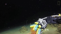 Sophisticated Robot Performs Delicate Undersea Research