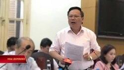 Vụ khách TQ mặc áo 'lưỡi bò': Phát ngôn của quan chức VN gây tranh cãi