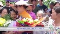 Bà Cấn Thị Thêu bị kết án 20 tháng tù, gia đình bị công an dọa giết
