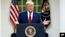 Presiden AS Donald Trump berbicara di Gedung Putih.