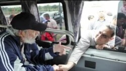 Fidel Castro aonekana hadharani baada ya mwaka mzima