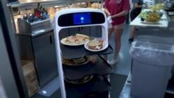 Pramusaji Robot atasi Kelangkaan Peminat Kerja Industri Restoran