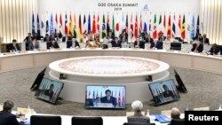 Perdana Menteri Jepang Shinzo Abe berbicara selama KTT G20 di Osaka, Jepang, pada 29 Juni 2019. (Foto: Kazuhiro Nogi/Pool via Reuters)