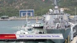 Hai tàu chiến Mỹ cập cảng Cam Ranh