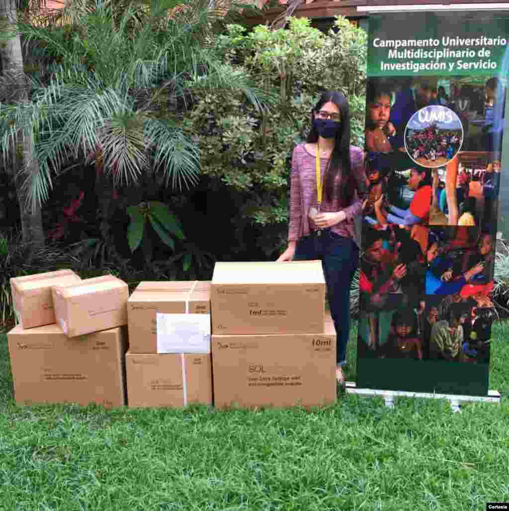 Los coordinadores y voluntarios de Programa de Ayuda Humanitaria para Venezuela provienen de ambos lados del Atlántico y están en distintas edades y oficios y profesiones. [Foto: Cortesía PAHV]