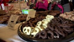 Chocolate Lovers' Festival Gathers Crowds in Cold Weather