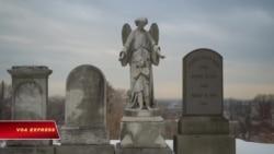 Nghệ sĩ gốc Hoa tìm cảm hứng giữa những ngôi mộ tại New York
