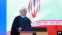 Na ovoj fotografiji koju je objavio Kabiner predsednika Irana, vidi se predsednik Irana Hasan Rohani govori na ceremoniji u Teheranu, Iran, 27. avgusta 2019.