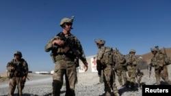 Arxiv fotosu - ABŞ hərbi qüvvələriƏfqanıstan Milli OrdusununLoar vilayətindəki bazasında 7 avqust, 2018.