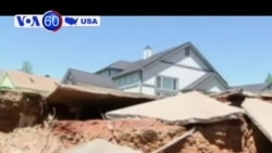 Một ngôi nhà sập xuống hố tử thần ở California