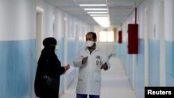 Suasana di ruangan khusus penanganan pasien Covid-19 di rumah sakit pemerintah Al-Bashir di Amman, Yordania, 28 January 2020. (REUTERS/Muhammad Hamed).