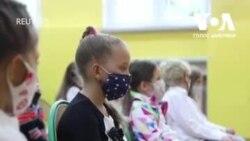 Як у Польщі 4 мільйона школярів пішли до школи у час Ковід. Відео
