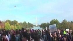 華盛頓高中生遊行抗議川普