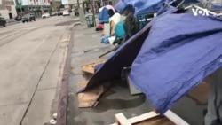Milad bayramında Hollivud ulduzları və könüllülər şəhərdəki evsizlərə yemək paylayır
