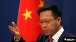 Juru bicara Kementerian Luar Negeri China, Zhao Lijian, dalam konferensi pers di Beijing, China, 8 April 2020. (Foto: dok).