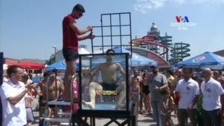 ԱՌԱՆՑ ՄԵԿՆԱԲԱՆՈՒԹՅԱՆ. Վրացի ուսանողը սահմանել է ռեկորդ՝ ջրի տակ մոտ 1 րոպե 45 վայրկյանում հավաքելով վեց ռուբիկ-կուբիկներ