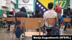 Djeca migranti na prvom nastavnom satu u Prvoj osnovnoj školi na Ilidži, Sarajevo, 4. oktobra 2021.