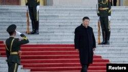 រូបឯកសារ៖ ប្រធានាធិបតីចិនលោក Xi Jinping មកដល់វិមានរដ្ឋាភិបាល ក្នុងក្រុងប៉េកាំង ប្រទេសចិន កាលពីថ្ងៃទី២៥ ខែតុលា ឆ្នាំ២០១៩។