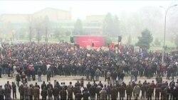 Manifestim kundër marrëveshjeve Kosovë-Serbi