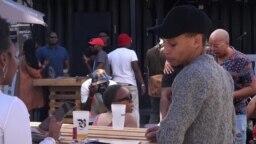 Au Blacktoberfest, les brasseurs noirs mis en vedette en Afrique du Sud