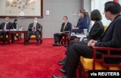 Taiwan President Tsai Ing-wen meets U.S. Senators Tammy Duckworth (D-IL), Dan Sullivan (R-AK) and Chris Coons (D-DE) in Taipei, Taiwan, June 6, 2021. (Taiwan Presidential Office/Handout via Reuters)