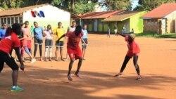 Lompat Tali Bina Remaja Kawasan Miskin Kenya