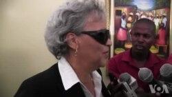 Ayiti: Ansyen Premye Minis Michèle Duvivier Pierre-Louis Pale ak Laprès Apre yon Rankont ak Senatè yo