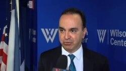 پروفسور ژوبین گودرزی رییس روابط بین الملل دانشگاه وبستر در سوییس