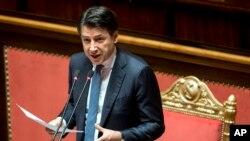 Le premier ministre italien Giuseppe Conte informant le Sénat sur la situation du coronavirus, à Rome, le 26 mars 2020. (AP Photo)