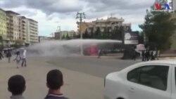 Polis Silvan'da Yürüyenlere Müdahale Etti