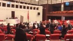 HDP İnfaz Düzenlemesini TBMM'de Protesto Etti