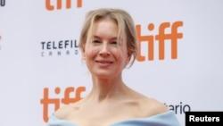 """La actriz Renée Zellweger a su llegada al estreno canadiense de """"Judy"""" en el Festival Internacional de Cine de Toronto (TIFF). Toronto, Ontario, 10/9/19."""
