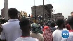 Nigeria: la foule se rue autour de l'immeuble effondré à Lagos