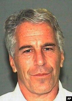 Foto de archivo de Jeffrey Epstein. Julio de 2006, provista por la Oficina del Alguacil de Palm Beach, Florida.