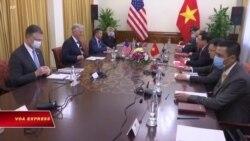 Bloomberg: Cố vấn an ninh Mỹ bị coi là 'đĩa thí nghiệm sinh học' trong chuyến thăm VN