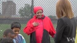 底特律的娜希德慷慨解囊救助穷人
