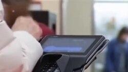 Anh khai triển một cách mã hóa an toàn hơn cho các thẻ tín dụng