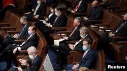 Los republicanos de la Cámara de Representantes asisten a una sesión conjunta del Congreso para certificar los votos del Colegio Electoral de las elecciones presidenciales de 2020. Washington, 6 de enero de 2021.