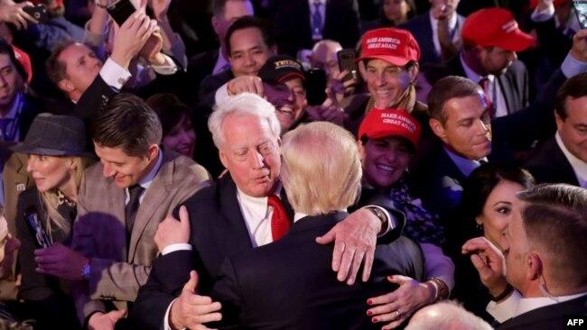 Ông Robert Trump và anh trai tại một sự kiện ở New York.