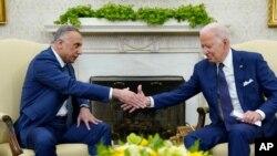 جو بایدن، رئیس جمهوری آمریکا، روز دوشنبه در کاخ سفید با مصطفی الکاظمی، نخست وزیر عراق، دیدار کرد (۲۶ ژوئیه ۲۰۲۱)