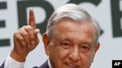 El presidente mexicano Andrés Manuel López Obrador dice habló por teléfono con el presidente de EE.UU. Donald Trump, sobre la relación entre sus países. Foto de archivo.