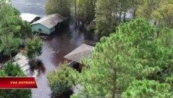 Bão tan, North Carolina vẫn trong biển nước