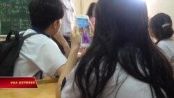 Tranh cãi chuyện học sinh được dùng điện thoại trong giờ học