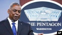 Bộ trưởng Quốc phòng Mỹ Lloyd Austin tại một buổi họp báo của Lầu Năm Góc ở Washington DC hôm 6/5. Vị bộ trưởng Quốc phòng dưới thời Tổng thống Biden sẽ có chuyến công du đầu tiên tới Đông Nam Á, trong đó có Việt Nam, bắt đầu từ 23/7.