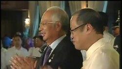 2012-10-15 美國之音視頻新聞: 菲律賓政府與反叛力量簽訂和平協議