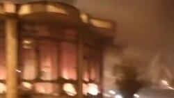 بعد از حمله ماموران، معترضان در شهر نورآباد دلفان در لرستان کیوسک پلیس را آتش زدند