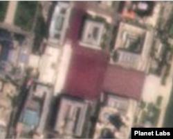 13일 평양 김일성 광장에 붉은 색 인파가 뒤덮여 있다. 사진제공=Planet Labs