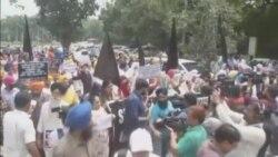 تظاهرات در هند در اعتراض به مسلمان کردن جبری یک دختر سیک در پاکستان