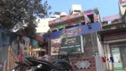 印度咖啡馆帮助被泼酸毁容女子